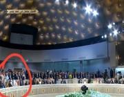 شاهد لحظة هروب تميم من القمة العربية الـ 30 في تونس