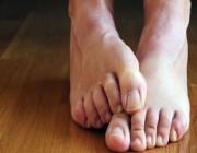 استشاري: 5 أسباب لارتفاع حرارة القدمين والتنميل