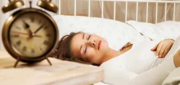 هل تنام لمدة كافية ومع ذلك تشعر بالإرهاق دوماً؟! إليك الأسباب