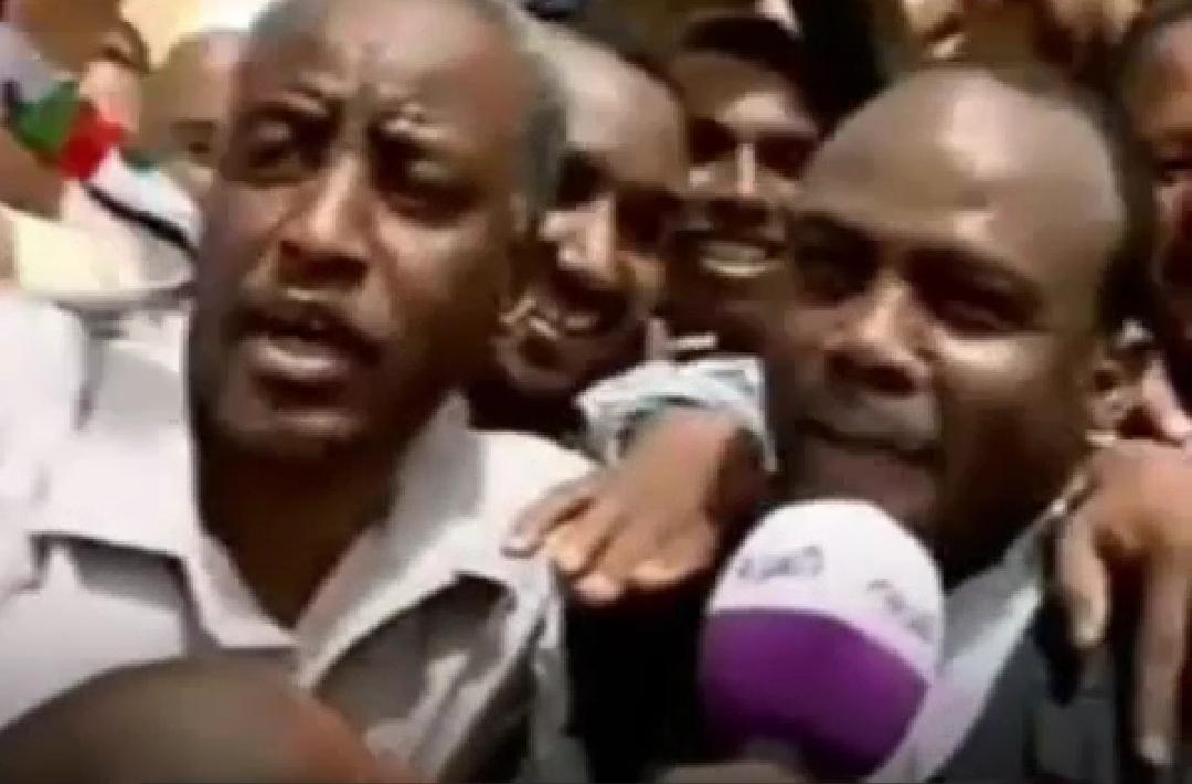 هذا ما حصل لمذيع العربية في السودان؟